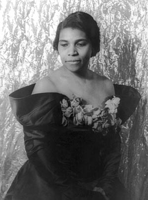 Marian Anderson in 1940. (Photo source: Wikipedia)