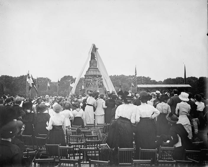Unveiling of Confederate Memorial at Arlington National Cemetery, 1914. (Source: Library of Congress)