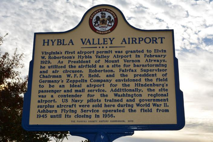 Historical marker detailing old Hybla Valley airport. (Source: Wikipedia)