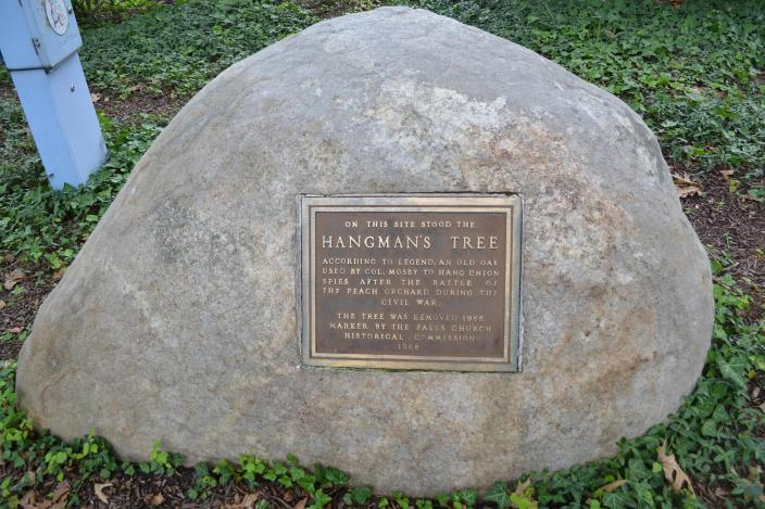 Hangman's Tree marker in Falls Church. (Credit: Jacob Kaplan)