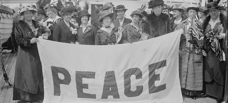 American delegates to the International Congress of Women held in the Netherlands in 1915. (Source: Library of Congress)