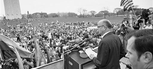 """ov. Lester Maddox of Georgia speaks to the rally at the Washington Monument in Washington, April 4, 1970 after """"March for Victory"""". (AP Photo/Bob Daugherty)  The march was followed by"""