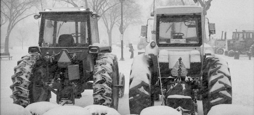 Tractorcade photo by Jeff Tinsley, Smithsonian Institution Archives, Negative Number: 79-1700-29.