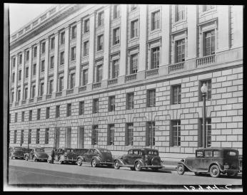 Photo of exterior of Department of Commerce building, 1939. Photo Credit: David Myers via Library of Congress