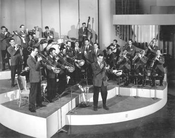 Glenn Miller Orchestra, 1940-1941 (Photo Source: Wikimedia Commons) https://commons.wikimedia.org/wiki/File:Glenn_Miller_Band.jpg