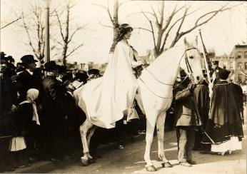 Inez Milholland on her white horse (Credit: Library of Congress)