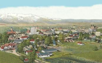 Aerial view of Baker City, Oregon in 1918. (Source: Wikipedia)