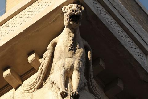 A gargoyle at The Cairo. Credit: Autopilot, via Wikimedia Commons