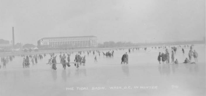 People ice skating and walking on the Tidal Basin, year unknown. [Estimated to be between 1900 and 1930] (Image source: D.C. Public Library, Special Collections.)