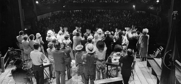 The cast of Inherit the Wind and the audience giving each other a standing ovation in Moscow (Source: Arena Stage)