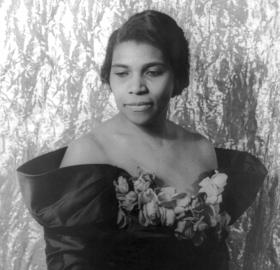 Marian Anderson in 1940. (Credit: Library of Congress)
